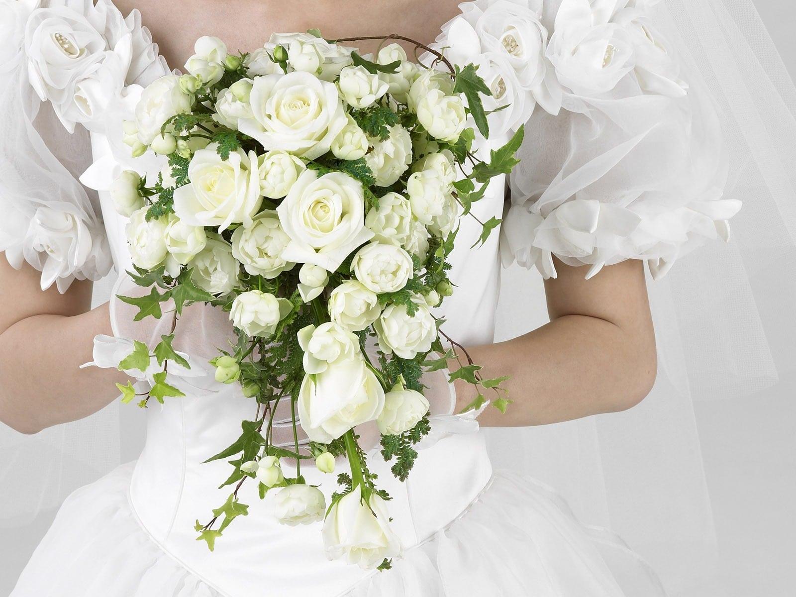 Fleurs de mariage : de l'église à la salle, il ne faut rien oublier !