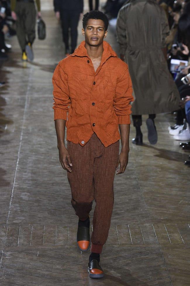 Le blazer pour homme présent lors des défilés de mode masculine