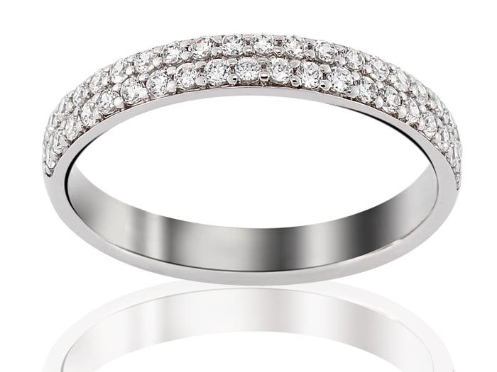 Alliance avec double ligne de diamants ronds en or blanc à tour complet