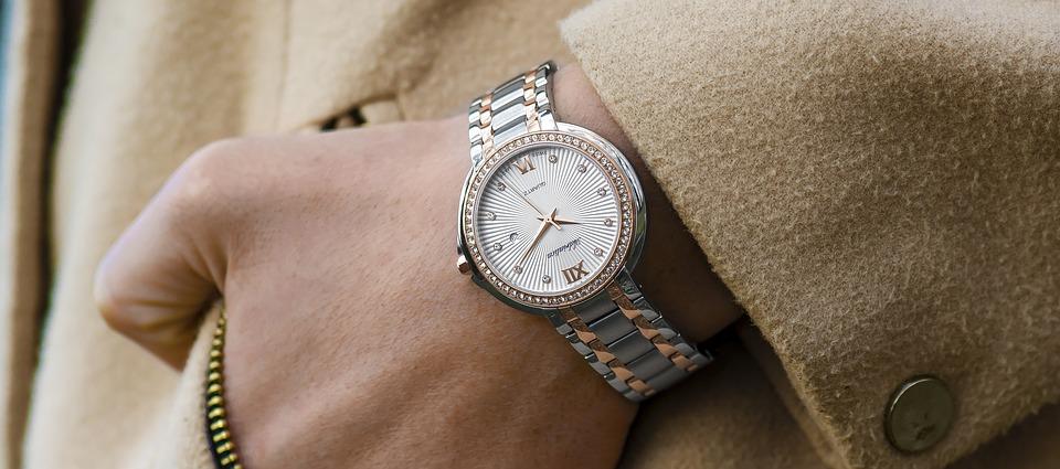 Nos conseils pour faire disparaître les rayures d'une montre