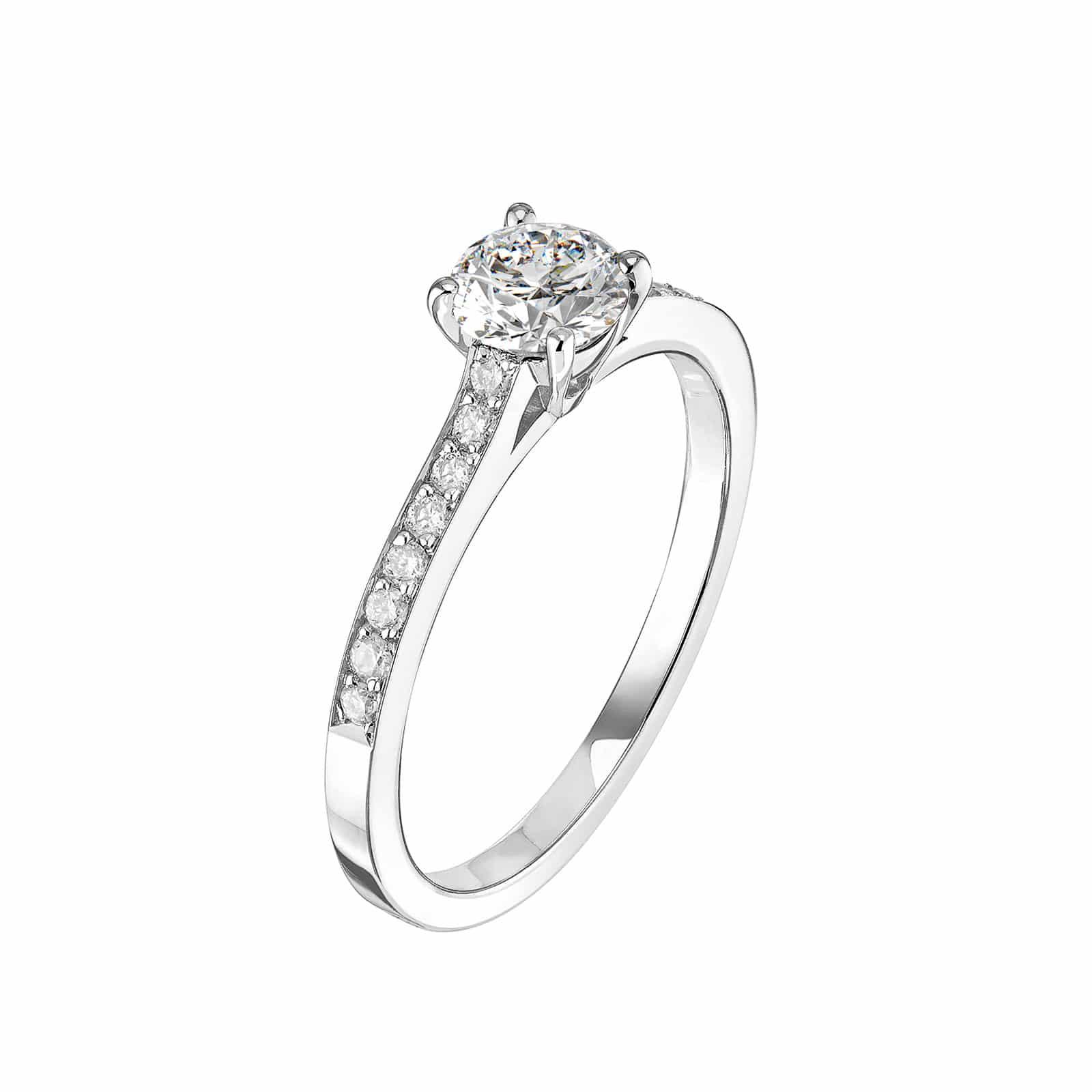 Alliance en or blanc tour complet avec trois ligne de diamants rond de 1,70 carats