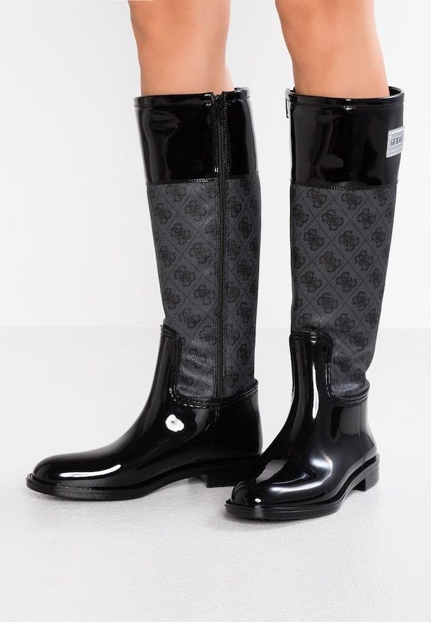 Les bottes de pluie un article indispensable pour l