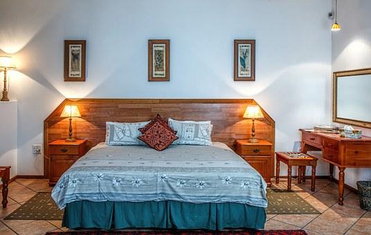 Comment choisir une lampe de chevet pour sa chambre à coucher ?
