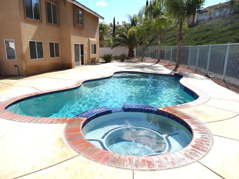 Optez pour l'installation d'un spa jacuzzi en plus de votre piscine